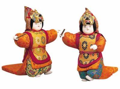 舞楽「還城楽(げんじょうらく)」のお人形