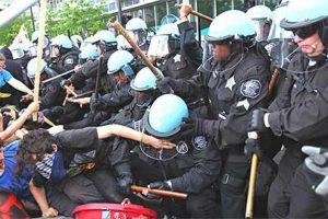 2012.05.20 オキュパイ・シカゴ!NATOサミットに反対して数千人がデモ-警察が激しい「血の弾圧」