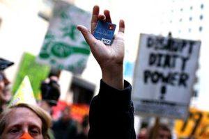 銀行を救うなら国民も救うべきだ!アメリカの借金免除運動 Rolling Jubilee
