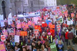 2010.11.10 イギリス学費値上げ反対デモ(その1)