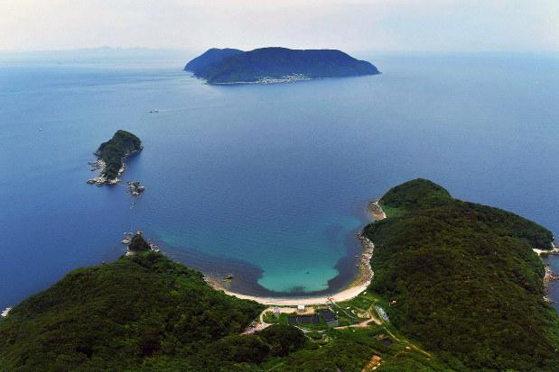 上関原発埋立予定地から祝島を望む