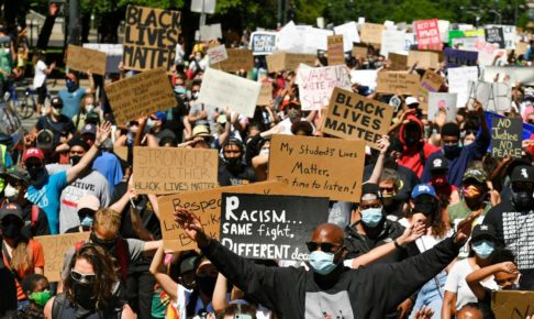 BLM (ブラック・ライブズ・マター「黒人の命も大切」)運動