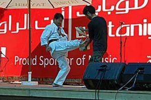 パレスチナで沖縄空手を披露する筆者