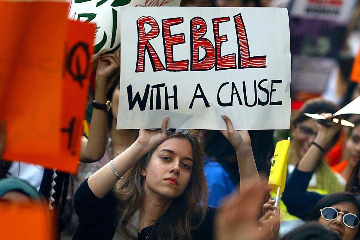 rebel with a cause 女性・デモ