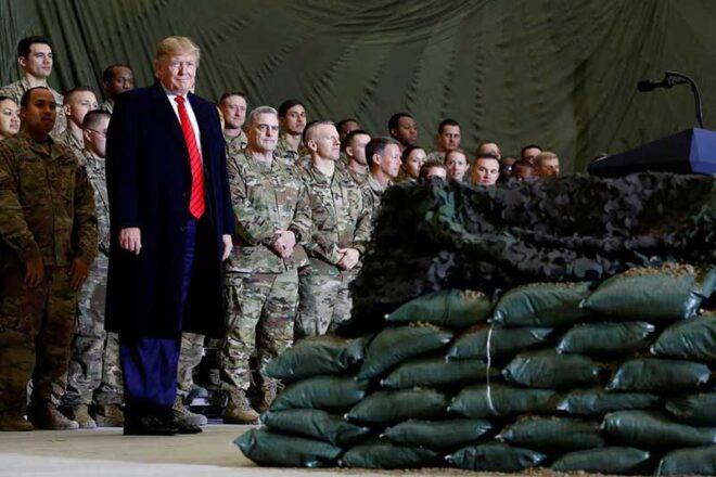 アフガニスタンのバグラム空軍基地を電撃訪問したドナルド・トランプ